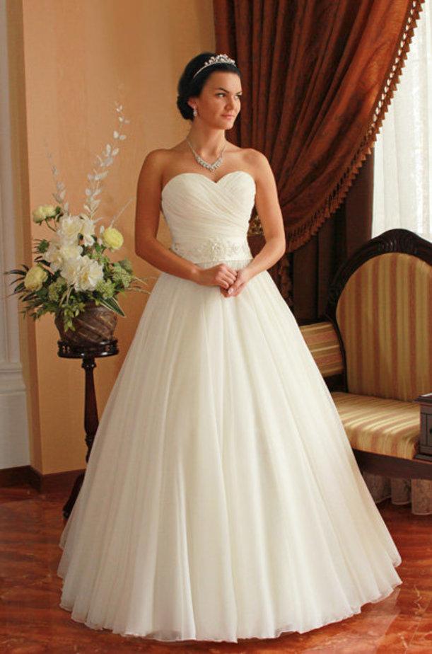Свадебное платье пышное фатин