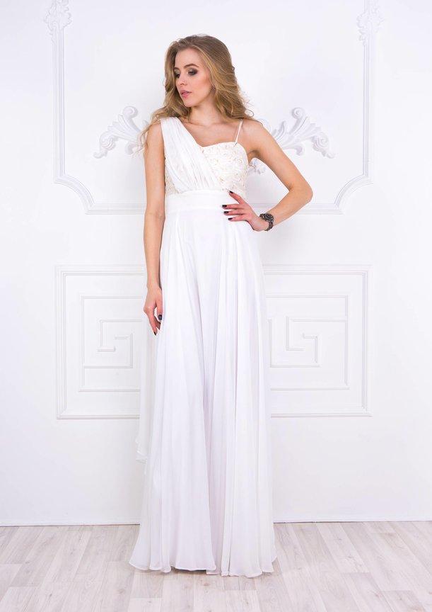 платье весна 2017 белого цвета